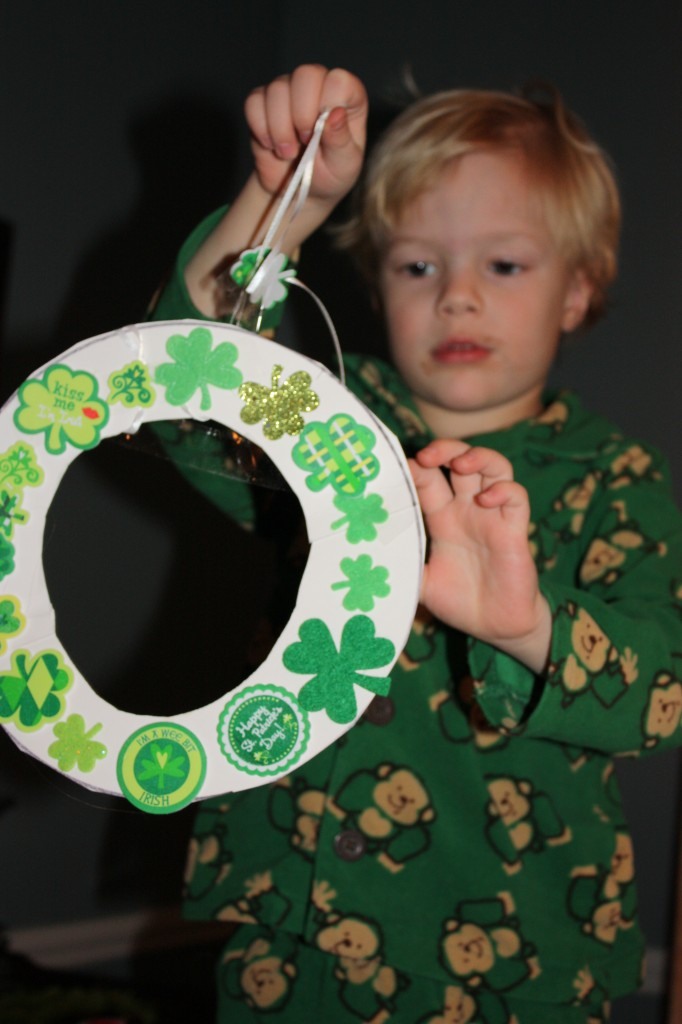 Easy Wreath for Kids with Foam Stickers