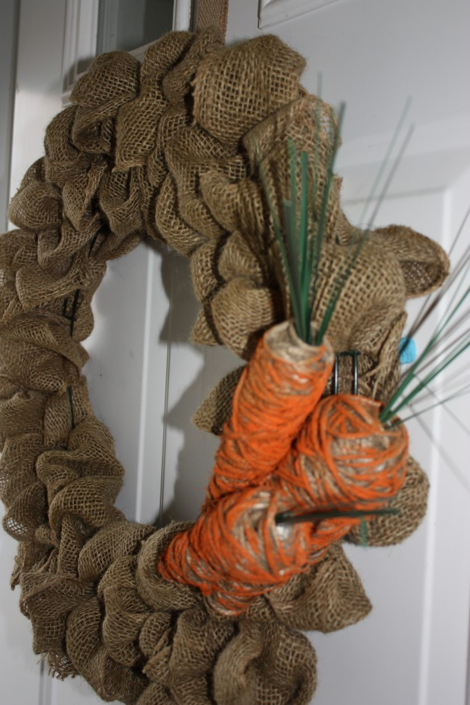 Twine Carrot Bubble Wreath