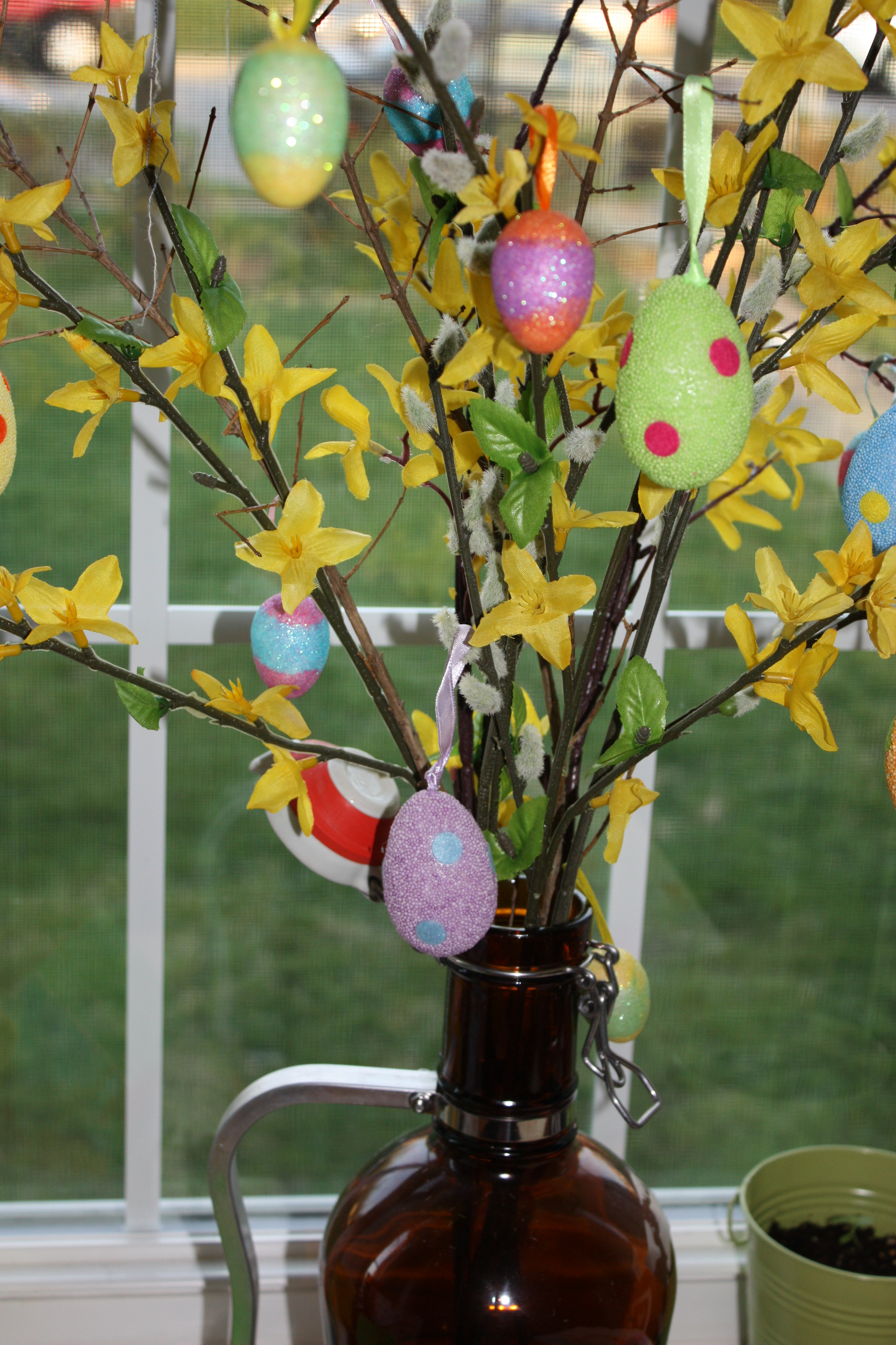 5 and 5 minutes or fewer easy easter decor teach love craft - Easter egg tree decorations ...