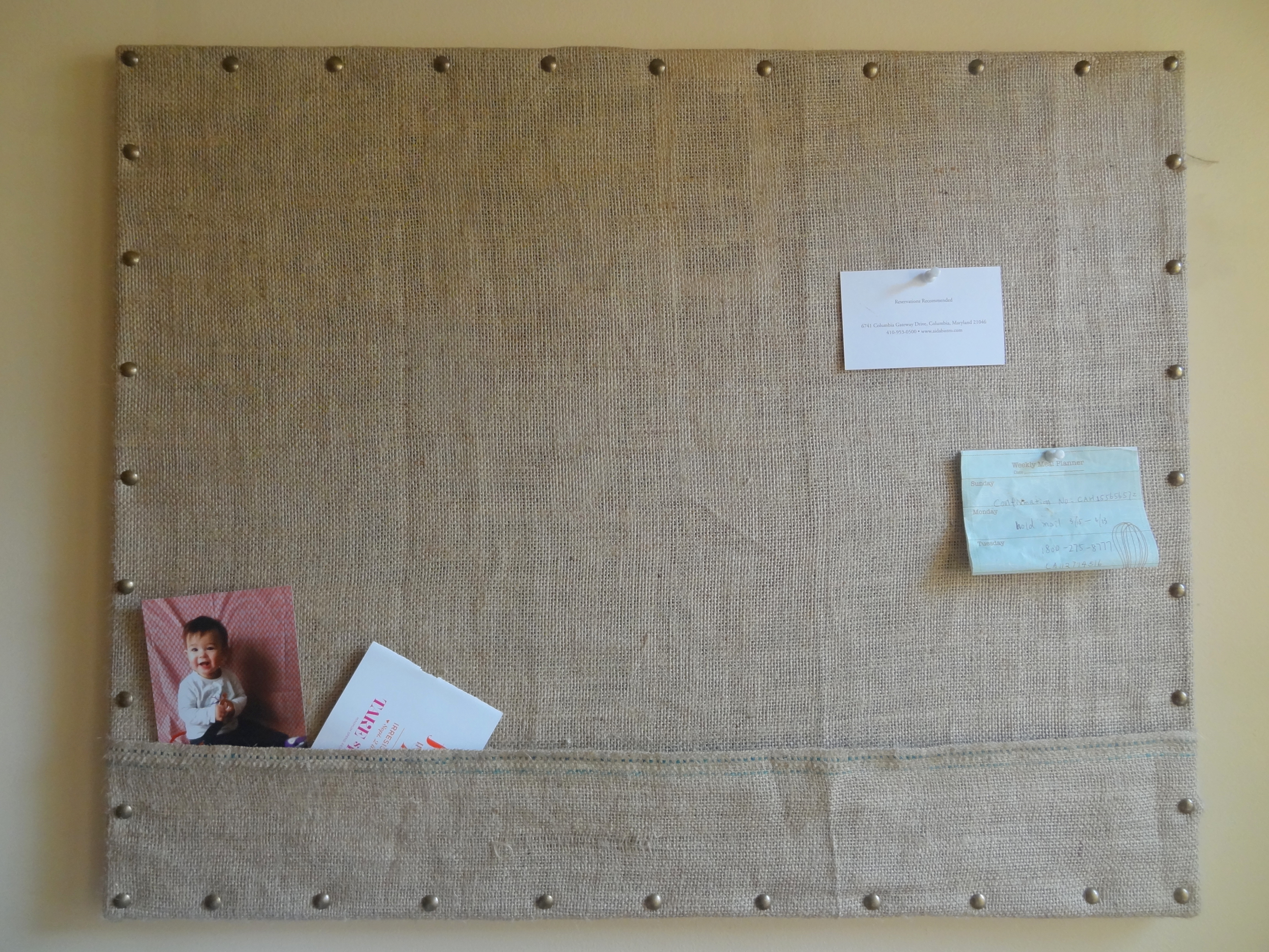 Diy burlap bulletin board teach love craft for Diy cork board